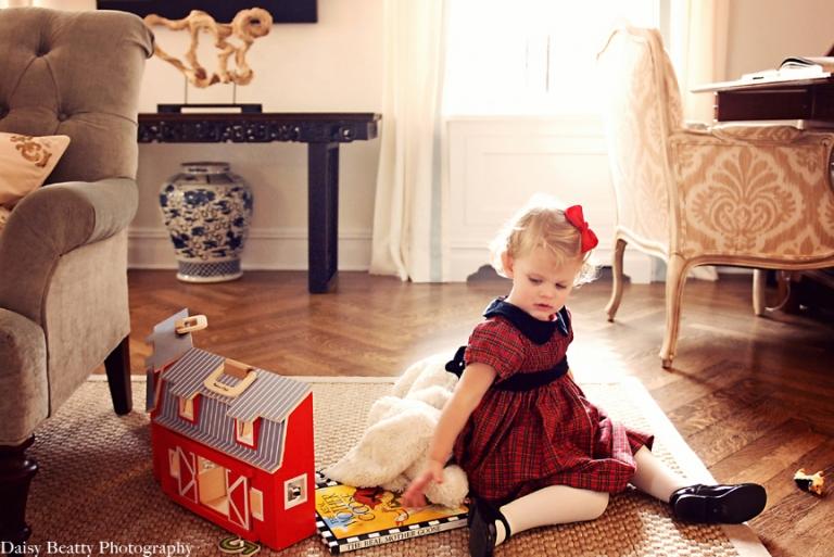 At home family portraits NYC daisy beatty photography family photographer nyc elegant child portraits NYC