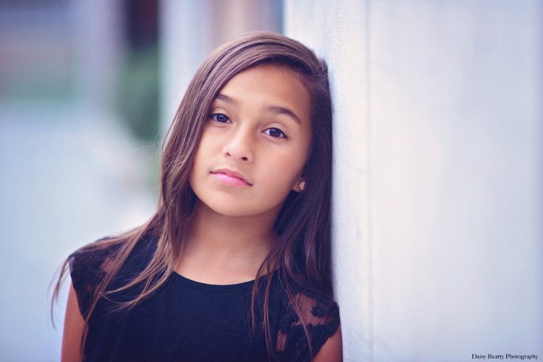 beautiful headshot of a child model in manhattan by daisy beatty photography