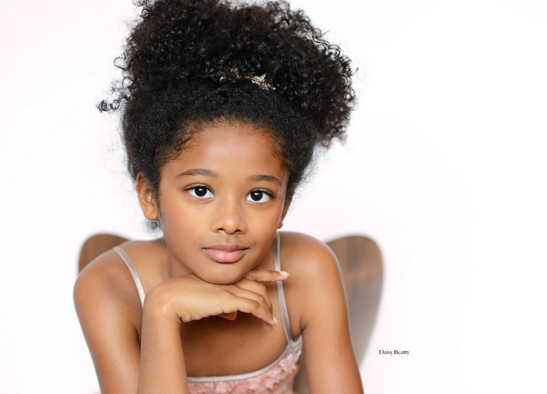 child model headshot in nyc by daisy beatty