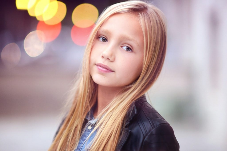headshot of a child model in nyc by daisy beatty photography