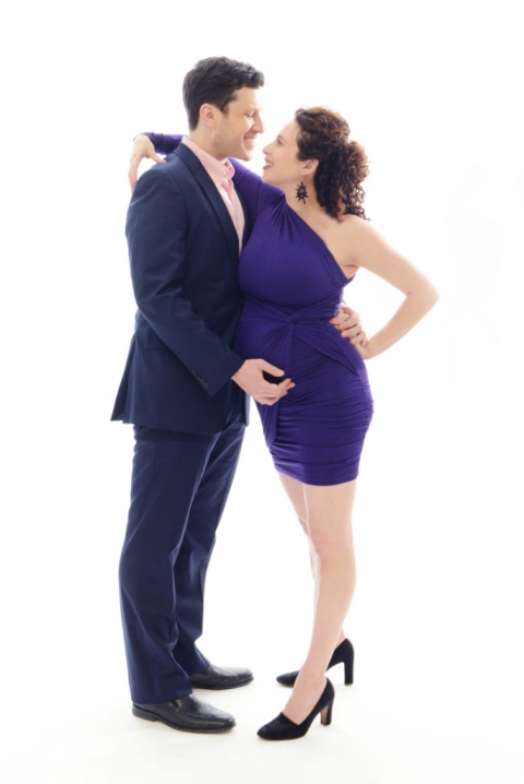 maternity portrait in a manhattan photo studio by daisy beatty photography