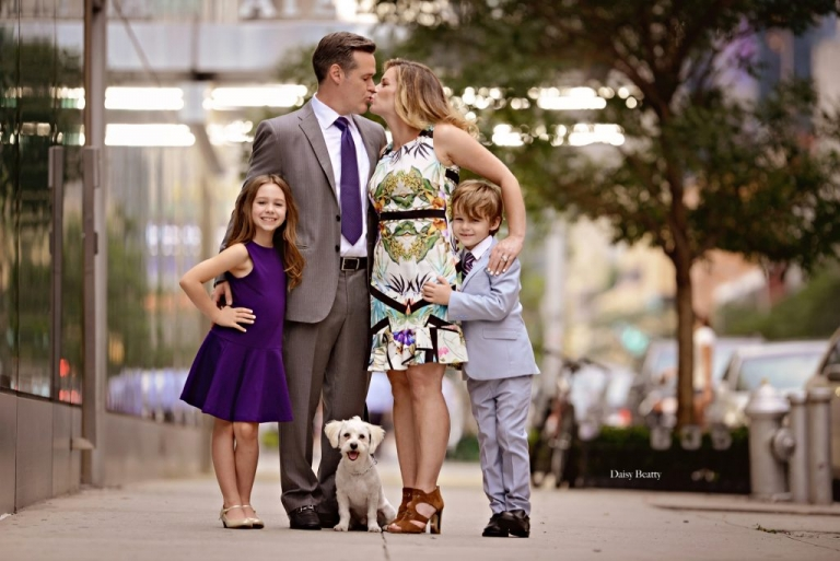 family photography in manhattan by nyc family photographer daisy beatty