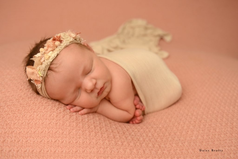 newborn photography in greenwich village nyc by daisy beatty