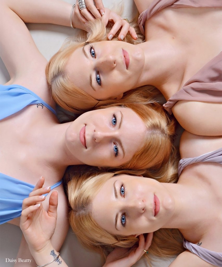 GMA triplets, award winning family portrait photography of levesque triplets