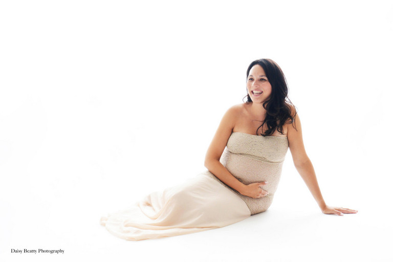 professional maternity photos greenwich ct daisy beatty