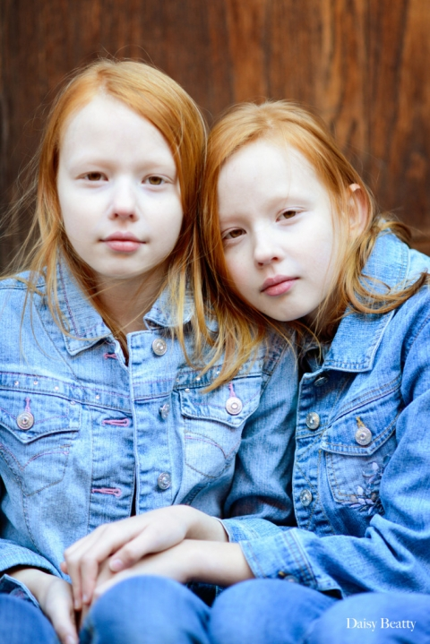 child model headshots of twin girls in nyc by daisy beatty photography