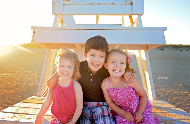 family photography in east hampton ny by best family photographer manhattan daisy beatty