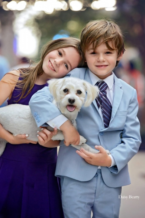 kids portrait with family dog by tribeca family photographer daisy beatty