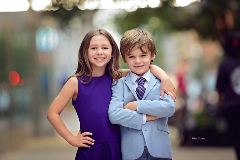 portrait of two children in manhattan by family photographer nyc daisy beatty