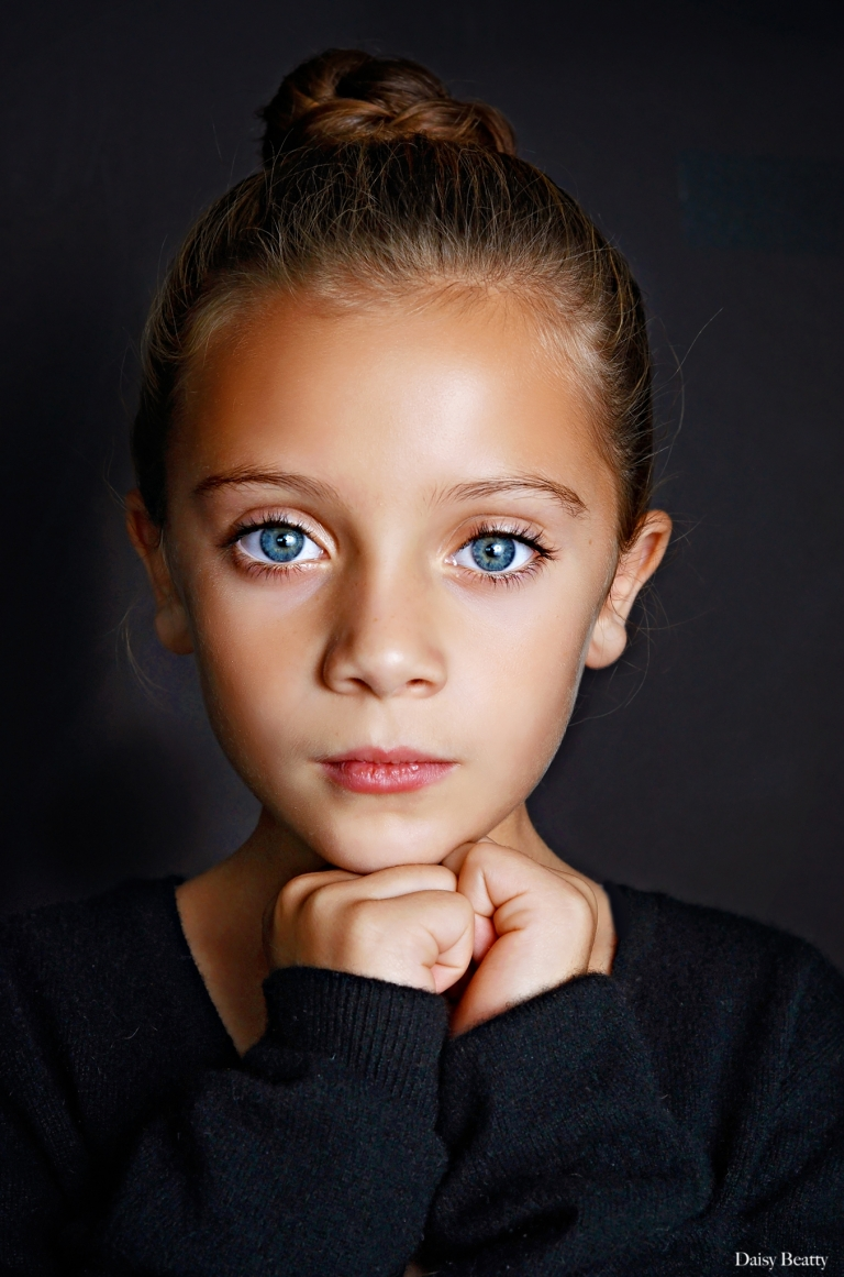 studio portrait photography of a girl in manhattan by nyc child photographer daisy beatty