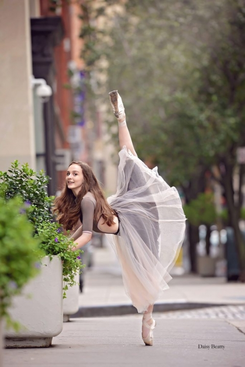 portrait of a ballet dancer in downtown manhattan by daisy beatty photography