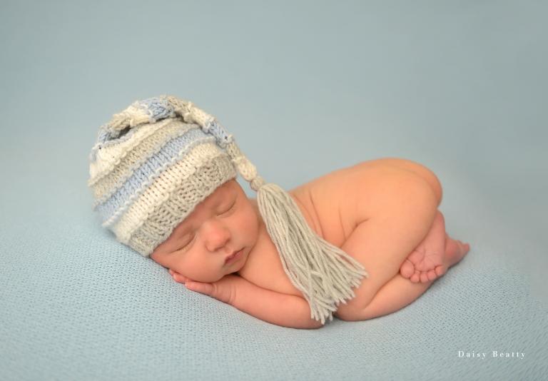 professional newborn photography nyc by daisy beatty