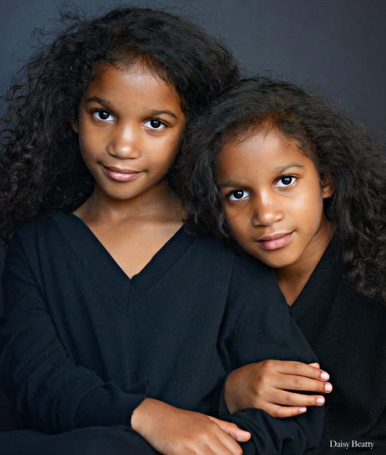 headshots of identical twins in nyc by daisy beatty photography