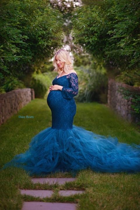 pregnancy photography by hamptons maternity photographer daisy beatty