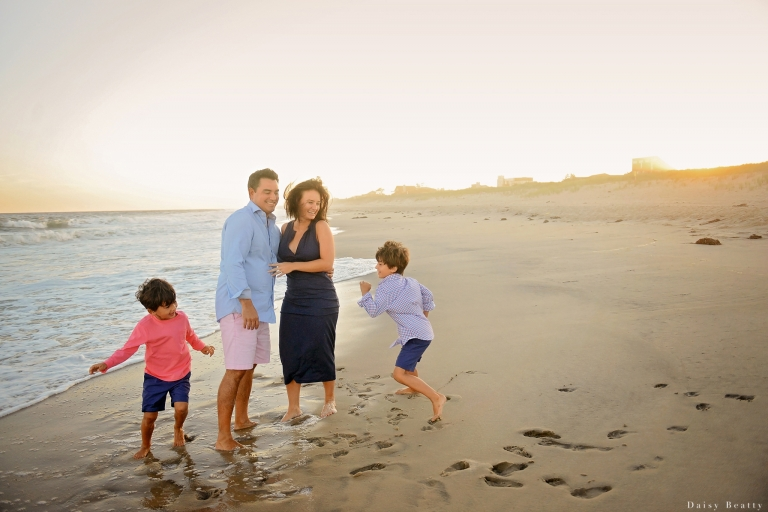 sunset hamptons family portraits by nyc family photographer daisy beatty
