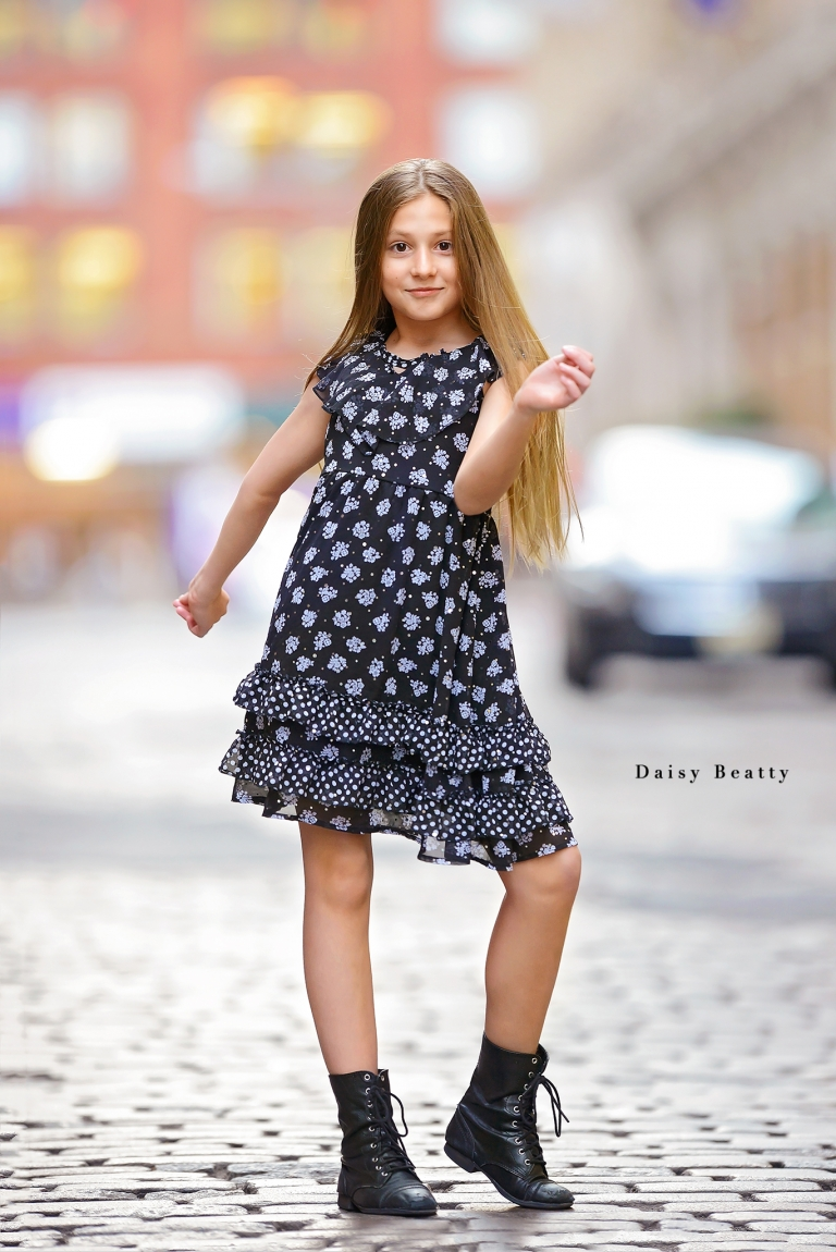 kids headshots in downtown manhattan by daisy beatty photography