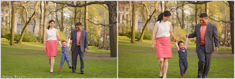 family photo session in central park by daisy beatty photography