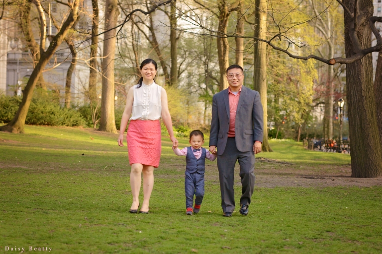 brooklyn family photo session in the brooklyn botanical gardens
