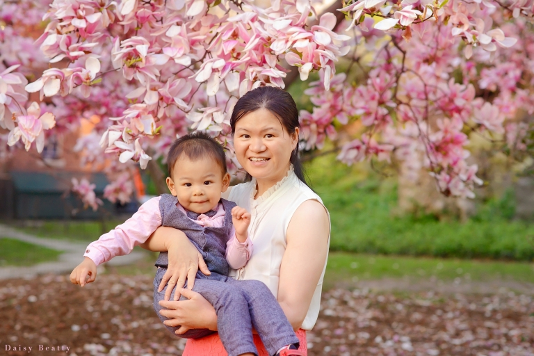 nyc family photography session at the brooklyn botanical gardens in spring