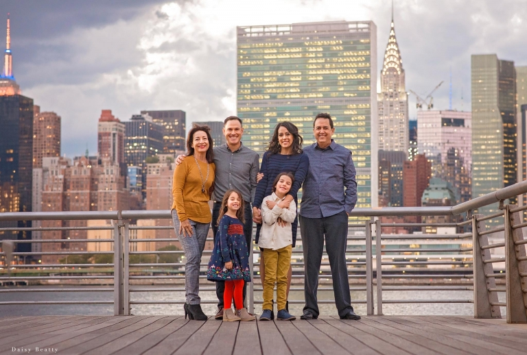 family shoot with nyc views by daisy beatty