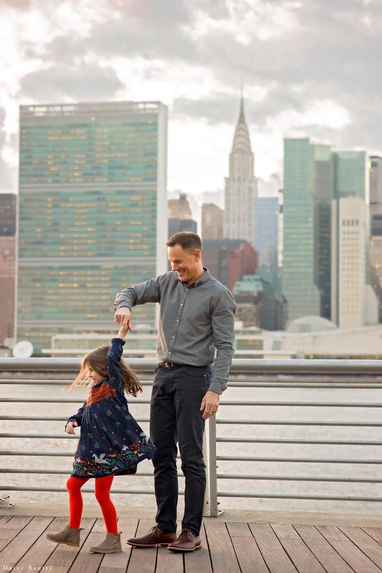 NYC skyline family photography by New York City vacation photographer daisy beatty