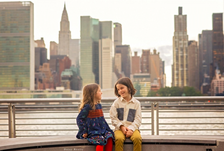 brooklyn sunset family photography of siblings by daisy beatty