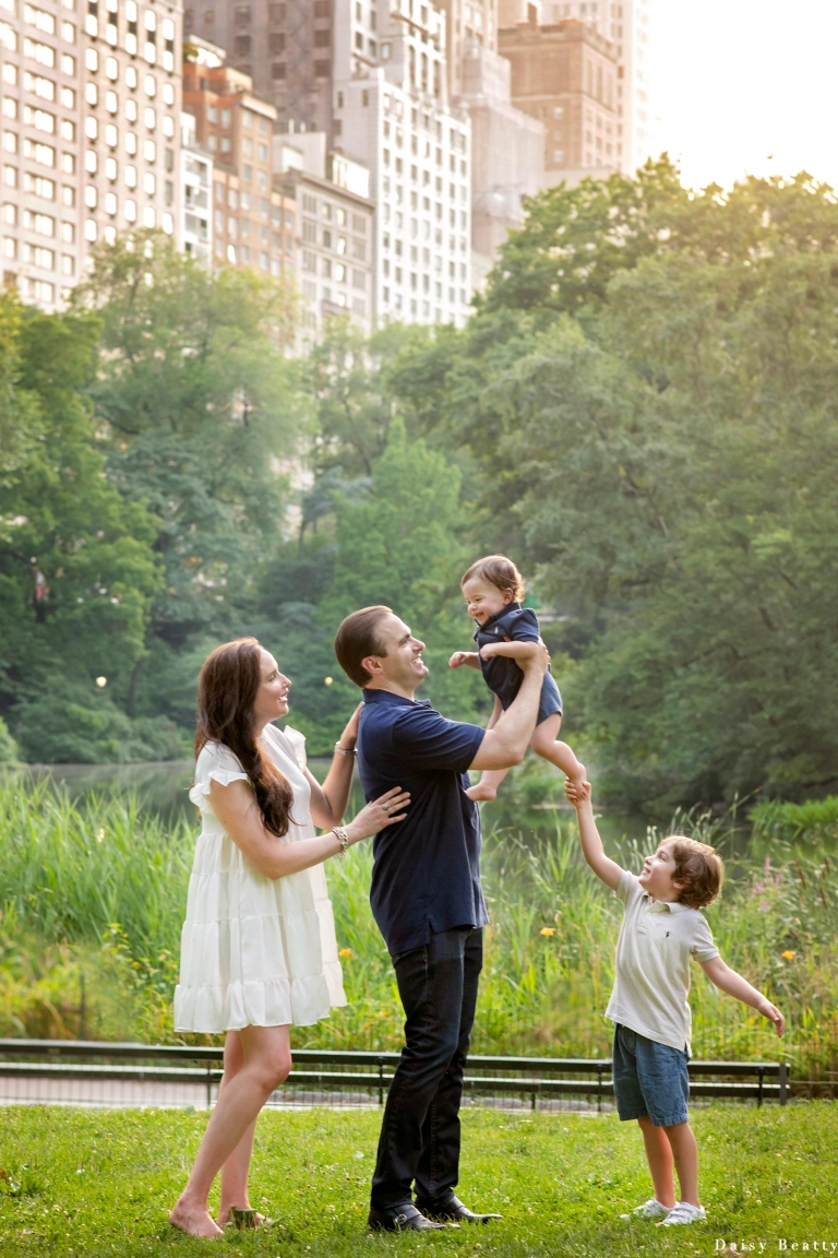 a beautiful central park photography family shoot