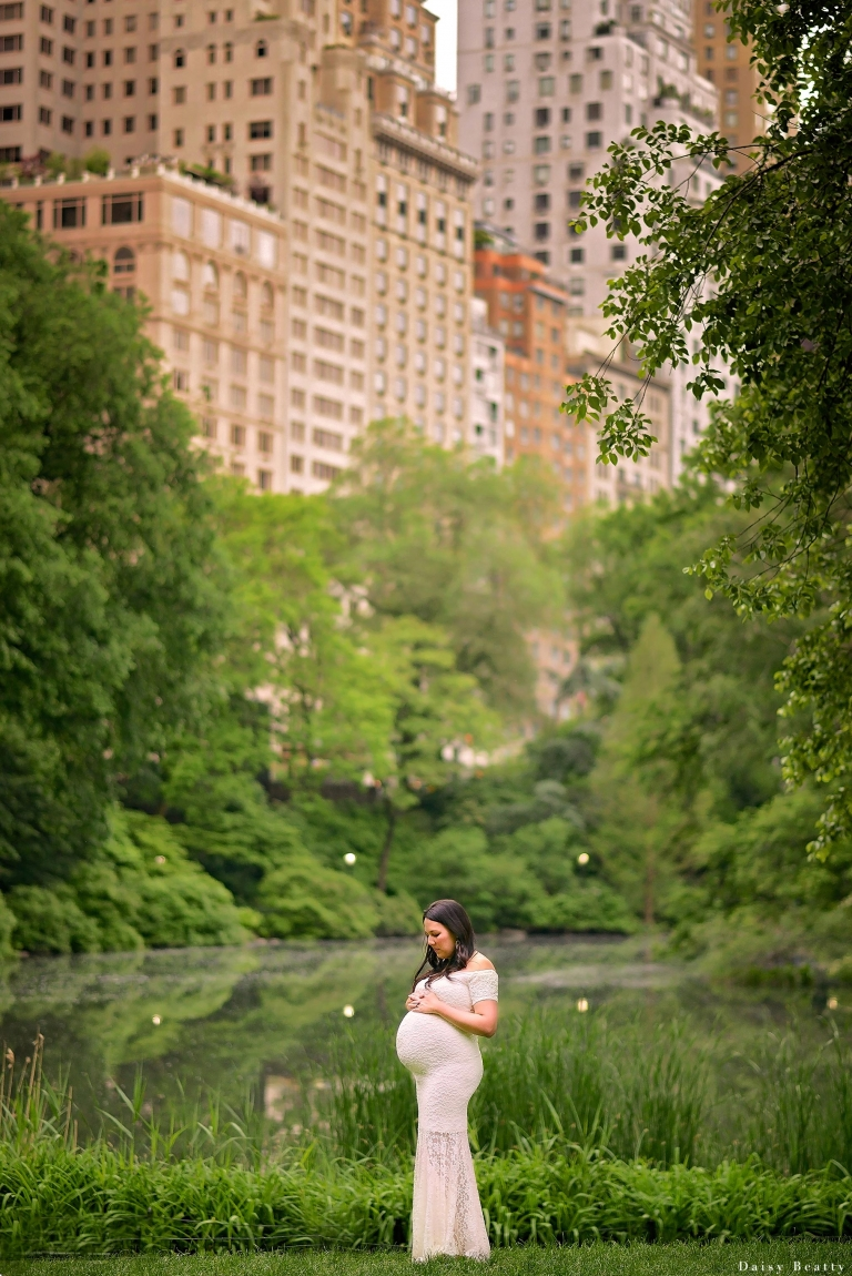 central park pregnancy photos in may
