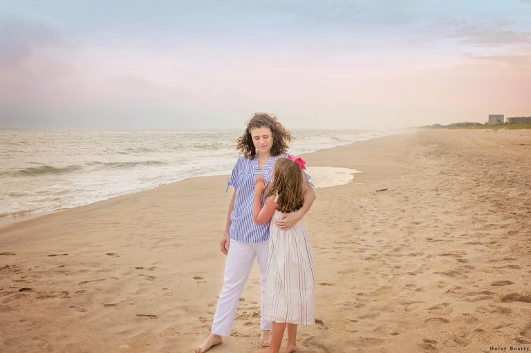 relaxed and natural family photography in the hamptons long island